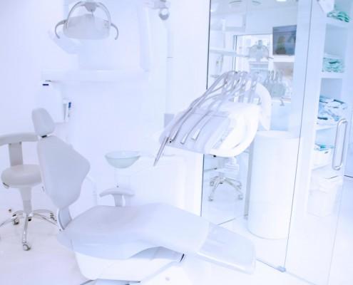 Dentist abroad Valencia Spain, Asensio, facilities